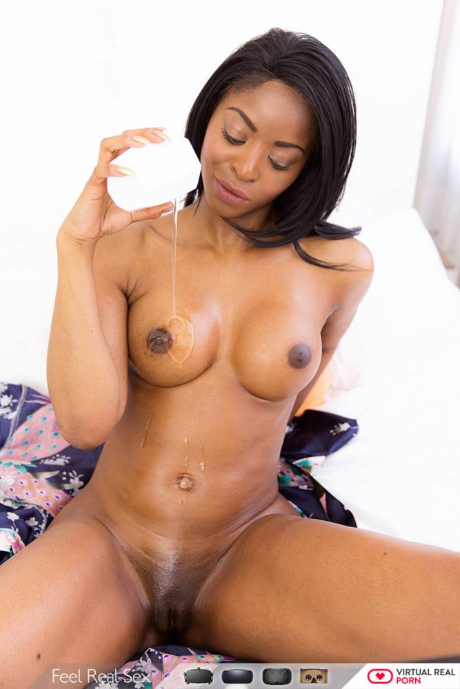Beautiful naked ebony girl pics